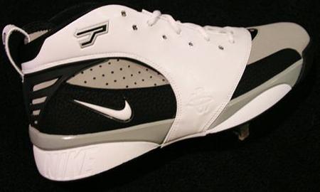 Tony Parker Nike PE
