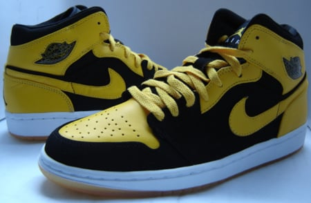 yellow and black air jordan 1