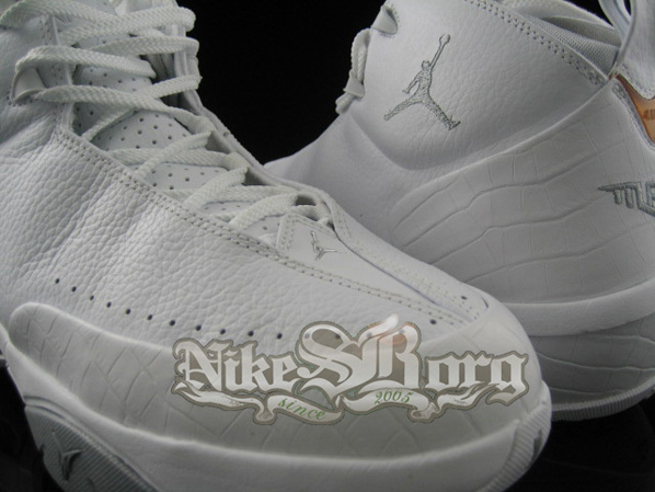 Air Jordan Melo 3 White Detailed Pictures