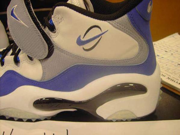 Nike Zoom Turf Retro White/Blue/Black