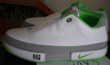 super cute the best attitude best New Nike Zoom LeBron Low ST Pictures | SneakerFiles