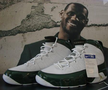 Air Jordan 9 Player Exclusive LeBron James