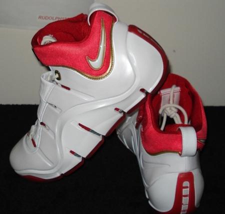 Nike LeBron IV White/Red-Gold PE