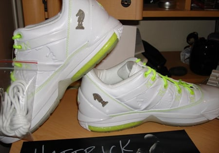 Nike LeBron III White/Lime Low PE