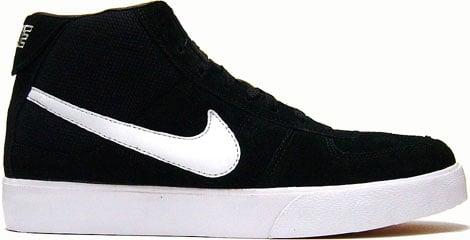 Nike Mavrk Mid Black