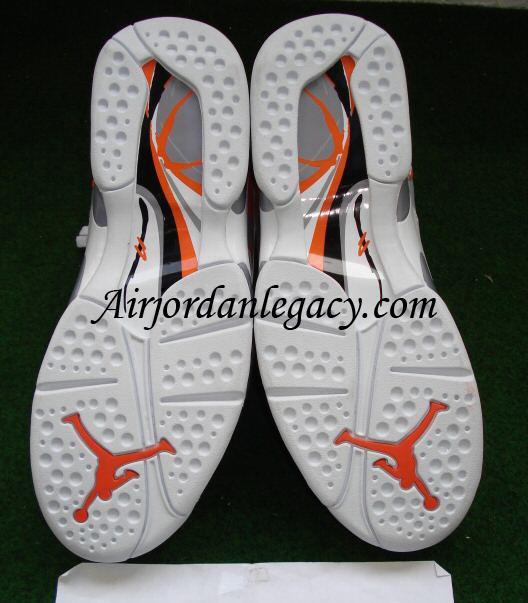 Air Jordan Retro VIII White/Stealth-Orange Blaze Sliver
