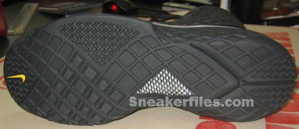 Nike Zoom Kobe III Black-Maize First Look
