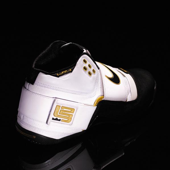 Nike Zoom Lebron Soldier Black Toes