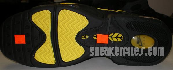 Nike Air Max Sensation Black/Yellow Detailed Look