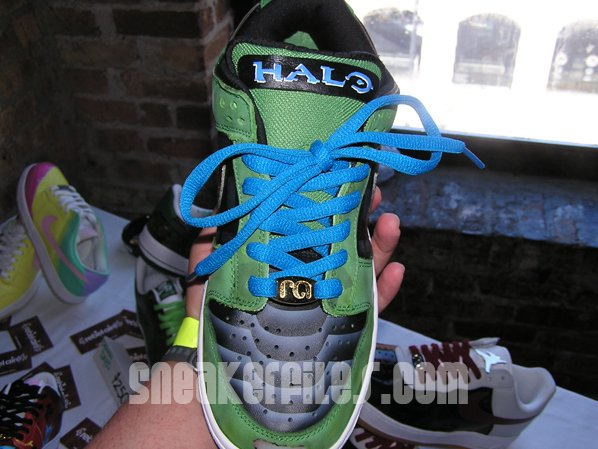 Nike Dunk Halo 3 Customs