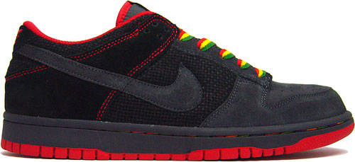 timeless design ff39c 1f80a Nike Dunk Low CL