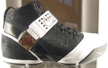 Nike LeBron V Black/White-Varsity Crimson Round 2