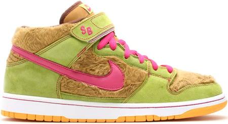 Nike Dunk SB Mid Mama Bear