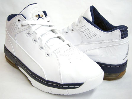 Jordan Ol' School Low White/Metallic Silver-Midnight Navy