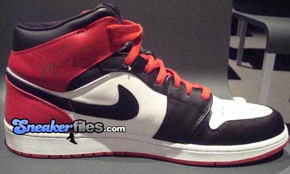 Air Jordans I 1 Black Toe Laser