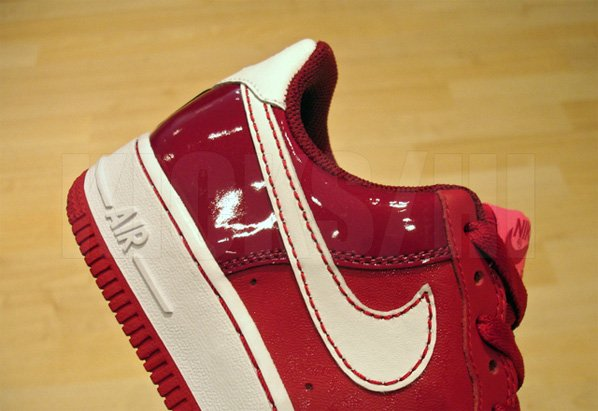 Nike Womens Valentines Day Air Force 1