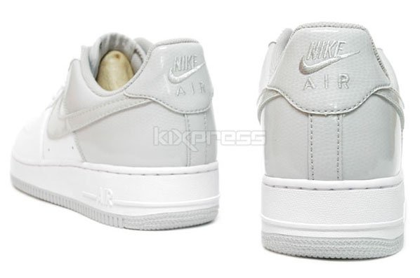 Nike Air Force 1 - White/Neutral Grey Patent Leather