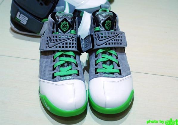 Nike Zoom LeBron 5 Dunkman Releasing Soon