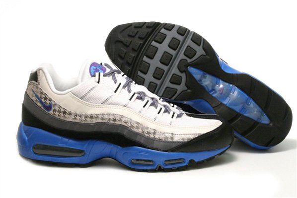 off this Air Max 95 a Houndstooth pattern. Available now on eBay. Nike