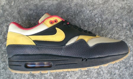 hot sale official site closer at Nike Tech Pack - Air Max 1 Supreme and Air Safari Supreme ...