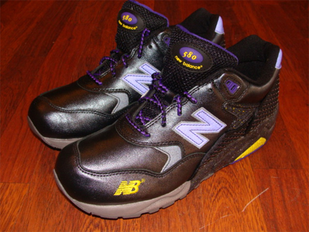 New Balance MT580 - Black / Purple and Silver / Zest