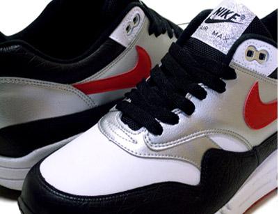 Nike Air Max 1 - Black / White / Varsity Red