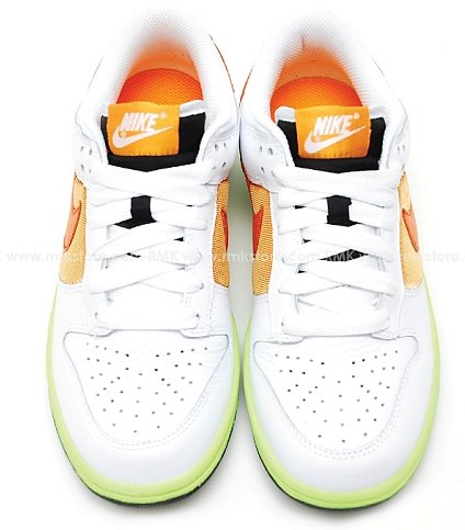 Nike Womens Dunk Low - White / Orange Blaze - Shock Orange