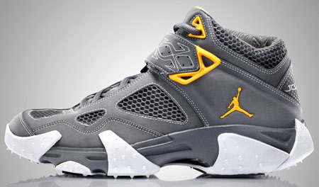 Air Jordan JAQ - Light Graphite / Varsity Maize / White
