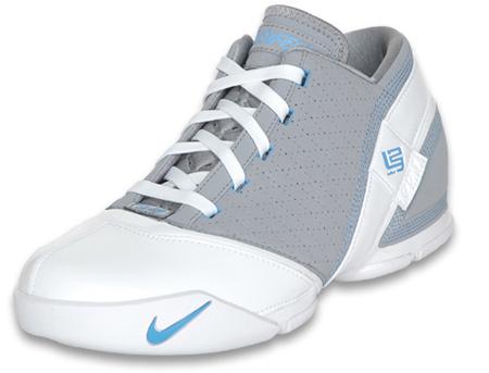 Nike LeBron 5 Low Stealth University Blue Sneakers (Stealth/University Blue-White)