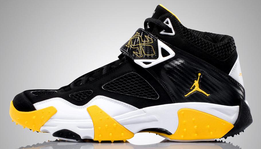 Air Jordan JAQ - Black / Varsity Maize / White