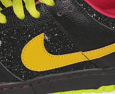 Nike SB Dunk Low - Space Tiger