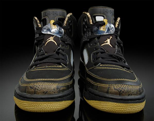 Air Jordan Spizike Black / Gold Released