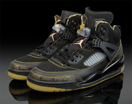 new product c523e acbc3 Air Jordan Spizike Black   Gold Released