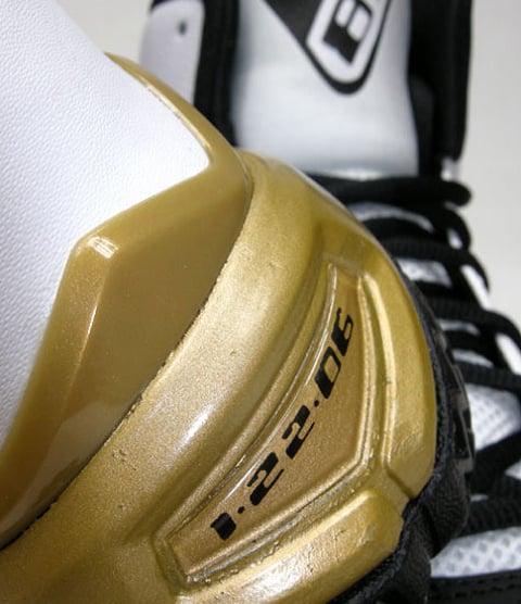 Nike Zoom Kobe 81 White / Black - Metallic Gold