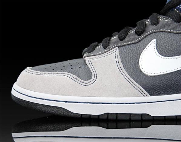 Nike Dunk High SB Un-Futura - Anthracite / Metallic Summit White