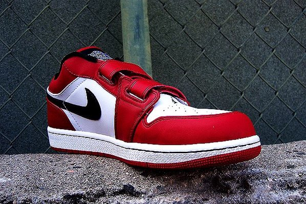 Air Jordan 1 Retro Low Velcro