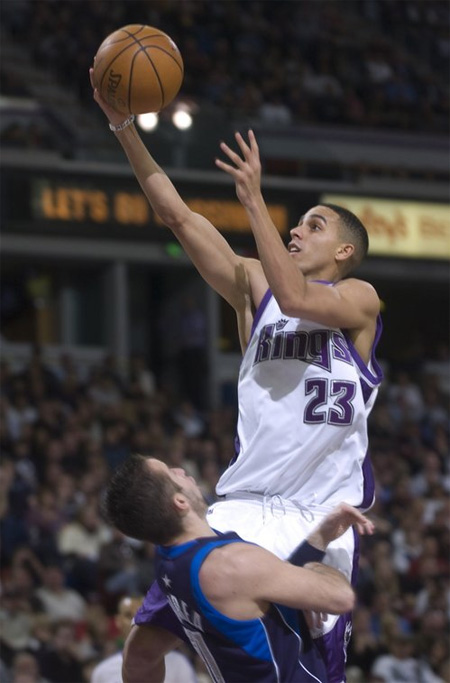 Kevin Martin Signs With Jordan Brand