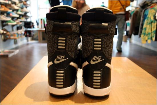 Nike Snowboarding x Stash