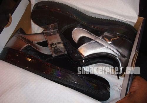 Black Friday Nike Air Force 1 DJ Clark Kent First Look