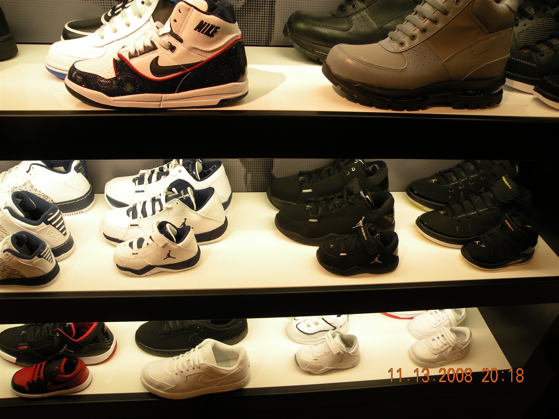 Inside House of Hoops Chicago  a178e2f90