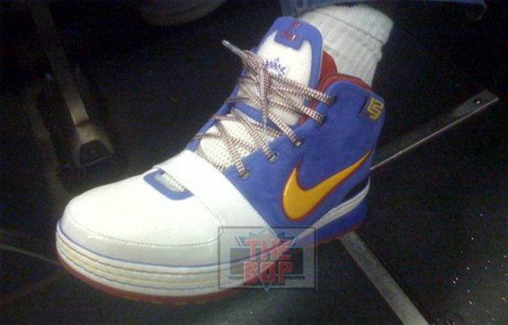 Superman Nike Lebron VI