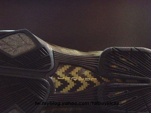Air Jordan 2009 - Black / Gold