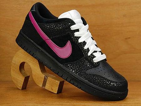 Nike Dunk Low - Black / Pink