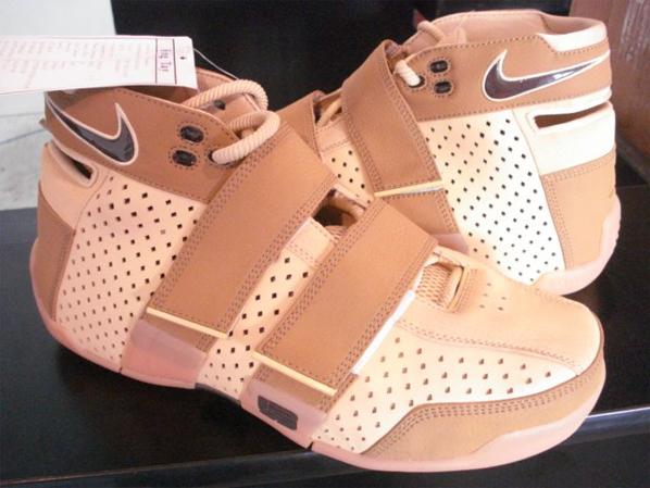 Nike Lebron 20-5-5 Sample Wheat Gum