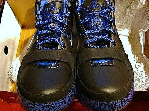 Nike Zoom Lebron VI (6) Black White Varsity Royal Varsity Maize title=