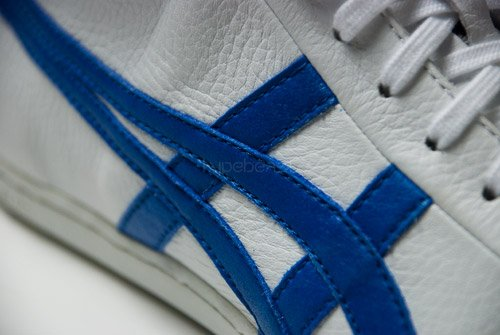 Traditional Flavor: Asics Seck Mid