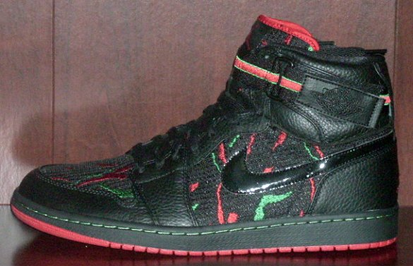Air Jordan I (1) High Strap - Black / Varsity Red - Classic Green | Sole to Sole