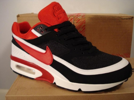 Air Max Classic BW  Black  Red  White