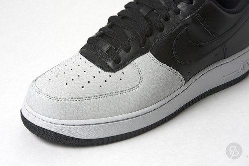 Nike Air Force 1 - Black / Black / Neutral