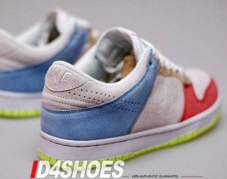 Nike Women's Dunk Low White/Comet Red/Pale Blue
